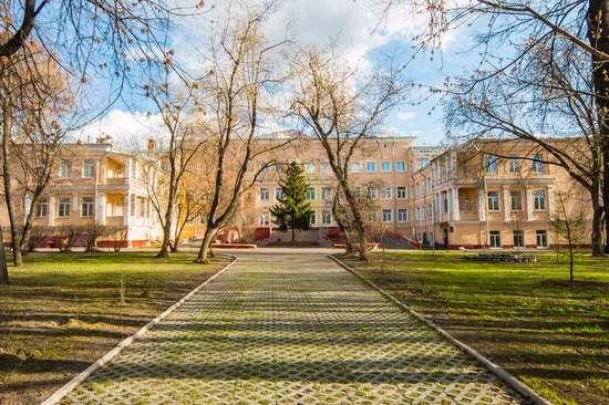 организация красивой выписки из роддома №15 в Москве